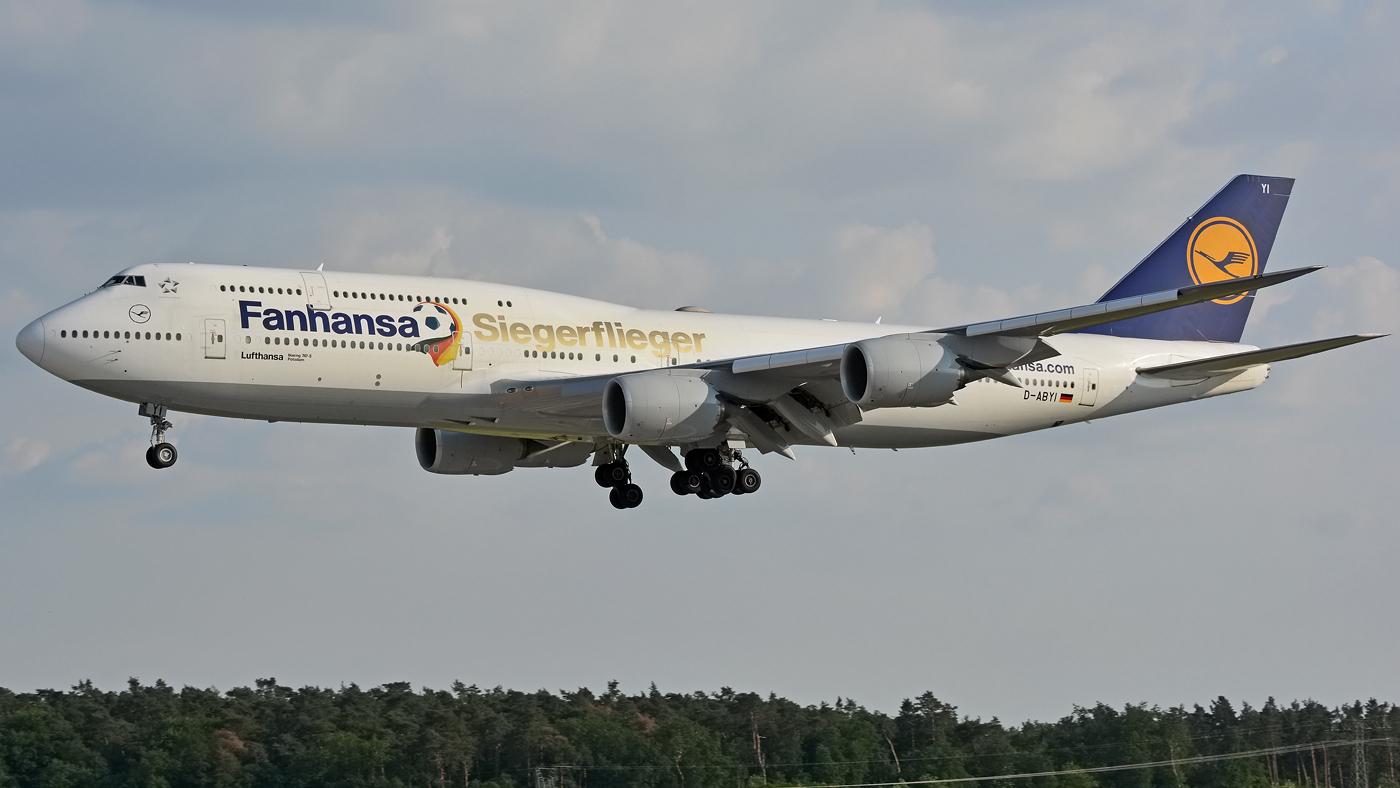 Lufthansa / B747-8i / D-ABYI / Berlin-Schönefeld / 04.06.2016 *Siegerflieger*