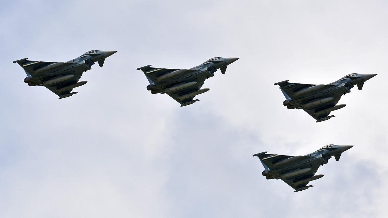 Luftwaffe / Eurofighter / 30+56 & 30+73 & 30+48 & 30+64 / Berlin-Schönefeld / 04.06.2016